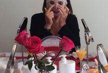 Valcena Roses oil mask