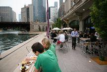 Chicago Riverwalk bars/restaurants