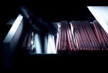 Bandes annonces de romans, BD... / Retrouvez des bandes annonces de documents que vous pouvez emprunter au CDI.