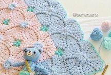 Bebe crochet mantitas