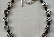 Crafts: Jewelry / by Jennifer Schwartz