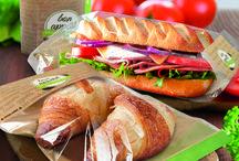 Snack Range / Unsere Snack Range, bestehend aus Snack Bag Fifty Fifty, Snack Bag Pure Paper, Snack Bag Thermo, Loc Bag Razor und XXL Pano Razor.