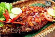 Masakan / Bingung hari ini masak apa ? Tak usah bingung, coba saja lihat di sini, karena ada berbagai macam resep masakan yang enak dan lezat.