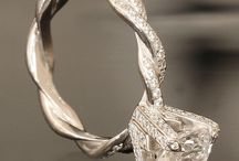 Rings, Bracelets, Broaches! What more could a woman ask for! / Jewellery