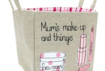 La Petite Maison Blanc / La Petite Maison Blanc creates functional, attractive and unique personalised gifts for the home. This best selling range of linen storage baskets make perfect gifts that will last for years to come.
