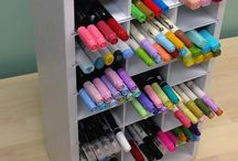Marker Organizers / Perfect organizers to store those craft markers, pens, and pencils!