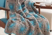 Crochet  blankets  / by Mandy Cho