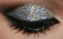 Make Up! / by Simone Hawks