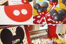 Mickey + Minnie=<3 / by Sofia Gavala