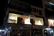 DreamON Mağazaları / Bağdat caddesindeki DreamON İstanbul mağazası Sevgililer Günü'nü canlı model ile kutladı. Mağaza vitrinlerinde ürün tanıtımı yapan canlı manken büyük ilgi gördü. www.dreamon.com.tr