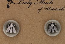 Cufflinks / Cufflinks look so stylish and make great gifts. We have a gorgeous selection for men and women.
