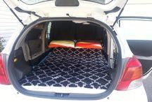 Toyota Yaris arabada kamp
