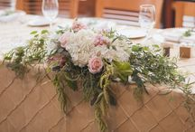 Head Table Decor Arrangements / This Board Features Head Table Flower Arrangements and Detail Ideas for your event