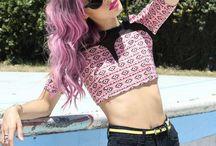 Hair / Cabellos, colores y cabezas.  / by Michelle Ruiz