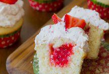 Cakes/cupcakes / by Morgan Utley