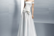 Wedding Gowns / by Danielle Renee