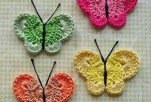 Renkli kelebek motifleri