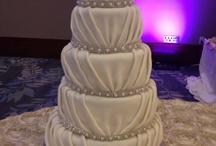 Cake Fantasy / Gorgeous cakes / by Jennifer Brum
