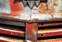 Antique International Trucks