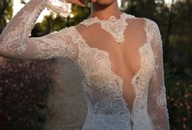Wedding Dresses / Beautiful wedding gowns that we love
