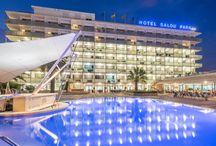 4R Salou Park Resort I **** (Salou) / El Salou Park Resort I se encuentra situado a 100m de la playa Capellans y en un radio de 500m todo el mejor ambiente diurno y nocturno de Salou.