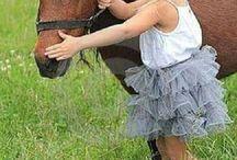 HORSES AND CHILDREN / CAVALLI E BAMBINI