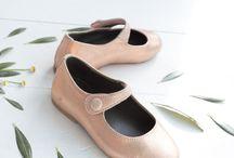 Ganzitos Niñas SS 2018 / Estamos felices de presentaros nuestra nueva colección de zapatos para niñas!  Encontraréis ya en nuestra tienda de Madrid y online merceditas, manoletinas, chanclas, sandalias, zapatillas y alpargatas para niñas!