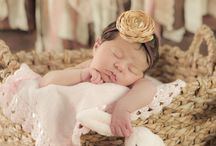 pictures: babies / by Valerie Rodney