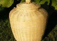 Natural Burial Urns / Urns for ashes that can be buried in the ground, completely biodegradable.