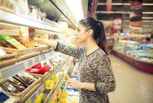 Rafturi Metalice Magazin /  FRAMEWORKS SRL comercializează și livrează la nivel național o gamă largă de rafturi metalice pentru spații comerciale și industriale, rafturi paleti, rafturi depozitare cu polite, rafturi de perete pentru magazine alimentare, rafturi tip gondola pentru plasarea în centrul magazinului pentru a îl divide și a crea culoare, echipamente si accesorii pentru retail, mese pentru casa de marcat, cărucioare (cărucior marfă, cărucior supermarket, cărucior magazin ), scări (scări profesionale, ...