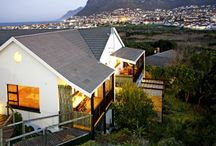 Clovelly Lodge Guest Apartments / Clovelly Lodge is the perfect base to explore Cape Town, at the heart of the Table Mountain National Park. Breathe the fresh air of Cape Town's green-belt with all the city's attractions in easy reach.