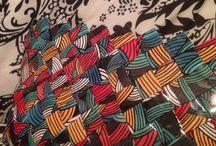 Mis bolsos de Papel / Estos son los bolsos de papel que yo hago, con la tecnica de papel trenzado