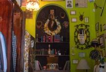 Vintage shops / by Sara Tezel