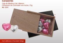Corazones de Chocolate / Hemos desarrollado diferentes tipos de cajas con deliciosos corazones de chocolate, tiernos y jugosos, hechos con el mejor chocolate con leche, muy intensos.