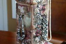 Show Off ~ Displays / Interesting jewelry displays