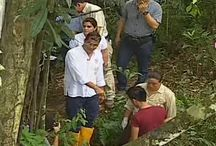 """Correa muestra al mundo #LaManoSuciadeChevron / El presidente de Ecuador, Rafael Correa, explicó que cerca de mil piscinas en la Amazonía ecuatoriana, al norte de la nación andina, fueron contaminadas por la petrolera estadounidense Chevron. El mandatario enfatizó que esta acción no quedará impune y """"vamos a reaccionar contra tanto abuso y explotación""""."""