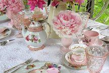 Chá de Mulheres / Ideias de decoração, brincadeiras, convites, comidinhas para uma reunião de mulheres.