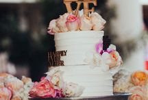 Feast your eyes on the cake / Wedding cakes