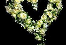 shape of heart  -flower / Kompozycja dekoracyjna w kształcie serca