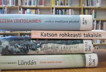 Kirjanselkäruno/book spine poetry