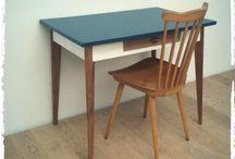 Bureau table vintage