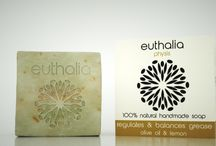 Euthalia physis / Euthalia physis was born in Greece the homeland of Medicine and Measure. With an absolute respect for nature, with the absolute absence of chemical and synthetic elements, benefiting from the rich Greek flora and the study of ancient Greek Medicine, the euthalia physis cosmetics are crafted for the contemporary inhabitant of the city, in order to offer radiance and health to his/her skin