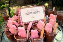 Peppa Pig Birthday Party Ideas / Peppa Pig Party Ideas: Cakes, supplies, decorations, dresses and more.