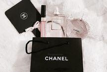parfum..ruj..özel aksesuarlar..sevdıklerım