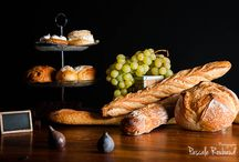 Breads / Tableau clair obscur, viennnoiserie, boulangerie, culinaire