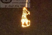 Historic products / Historialliset tuotteet / Jewelry (replikas), games, postcards etc. ancient ages style. (Viking age, iron age, medieval) / Historiallisia korureplikoita, pelejä, postikortteja jne. (Viikinkiaika, rauta-aika, keskiaika)