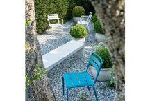 Emu / Emu Tuinmeubelen is al sinds 1951 gespecialiseerd in metalen tuinmeubilair. De Italiaanse tuinmeubelen hebben een degelijk en tijdloos karakter. En tegenwoordig verkrijgbaar in vele aantrekkelijke kleuren.