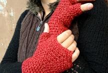 Gloves / Mitts / Cuffs / by Babukatorium
