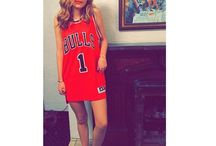 """Bella Thorne / Annabella """"Bella"""" Avery Thorne is an American actress, singer, dancer and American model. It is well known for his roles in My Own Worst Enemy, Big Love and Shake It Up."""