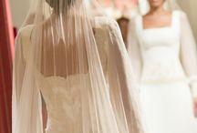 Ateliers Novia - Fotografía By Arantxa Sandúa / En nuestro recorrido como fotógrafos  profesionales de boda hemos tenido la ocasión de participar de numerosas creaciones, pudiendo captar la riqueza de todos esos detalles, siendo cómplices de las decisiones a tomar respecto a encajes, formas, tejidos, texturas, …